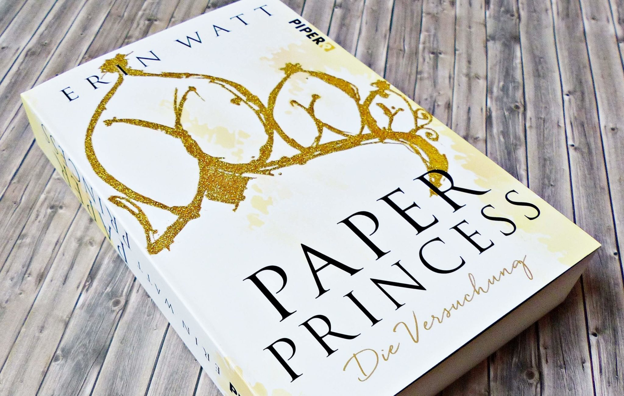 Rezension | Erin Watt – Paper Princess. Die Versuchung | Band 1