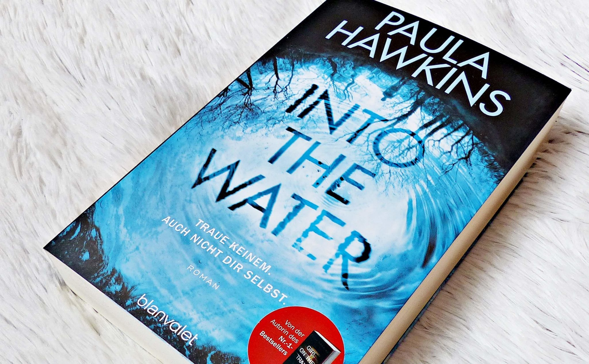 Rezension | Paula Hawkins – Into the water