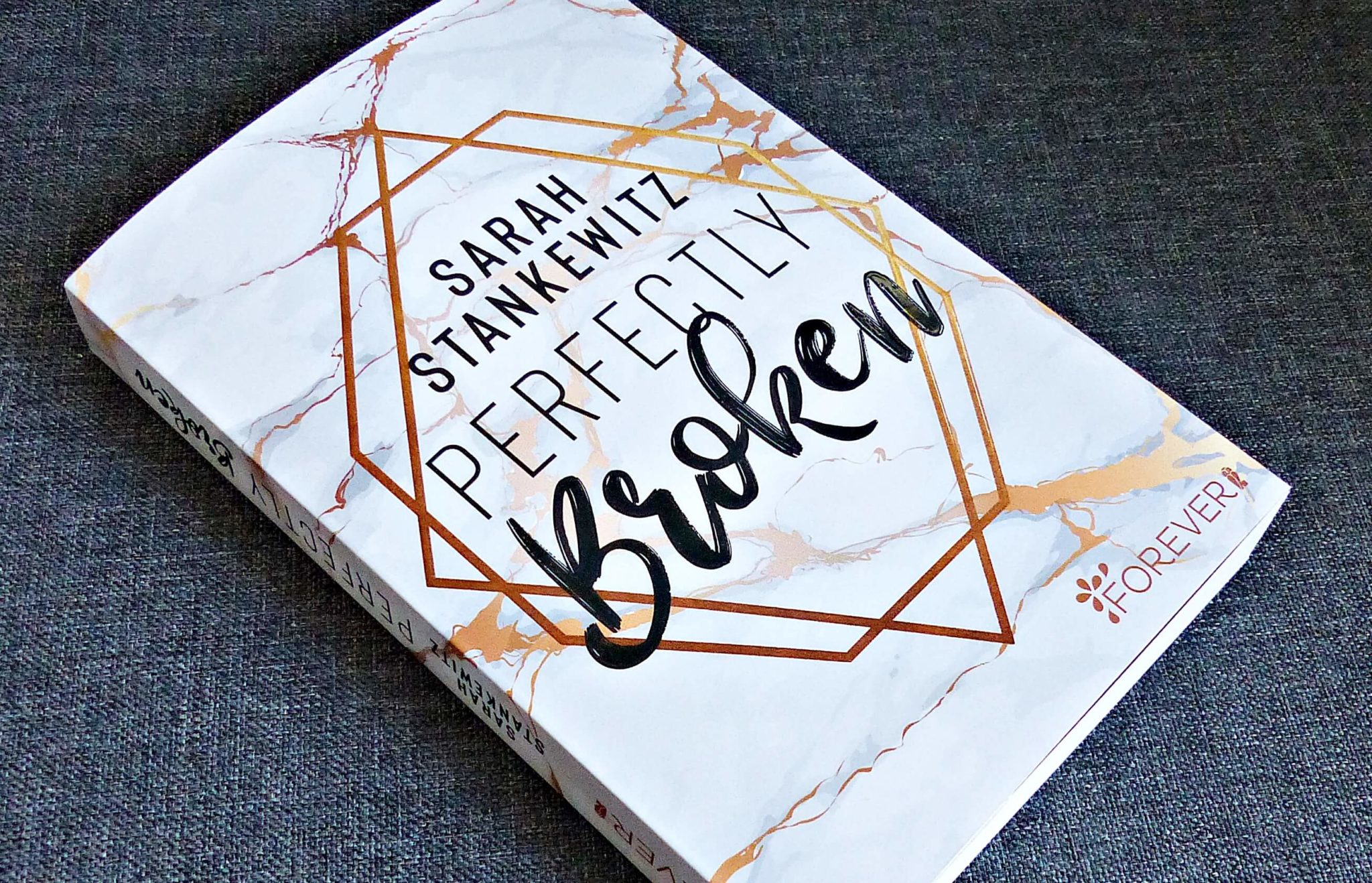 Rezension | Sarah Stankewitz – Perfectly broken