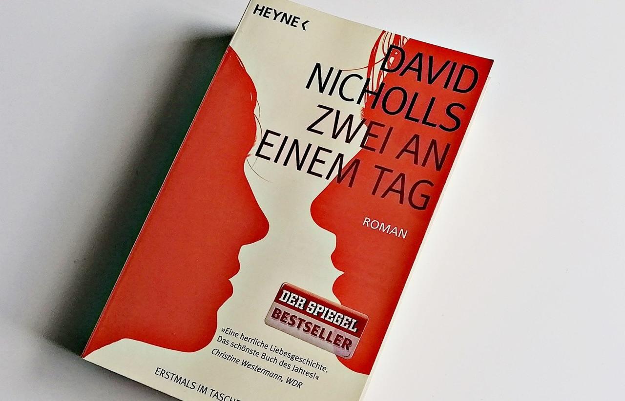 Buchliebe in 10 Sätzen | David Nicholls – Zwei an einem Tag